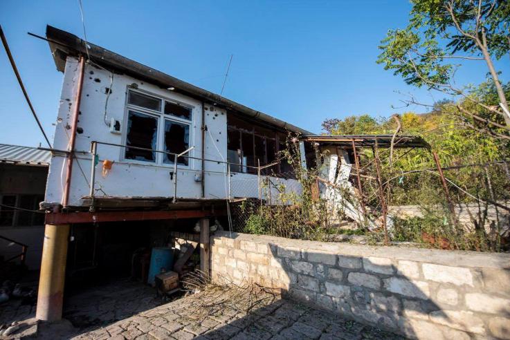 Ադրբեջանի զինված ուժերի հրետակոծության հետևանքները Սարուշեն և Խաչմաչ գյուղերում. լուսանկարներ