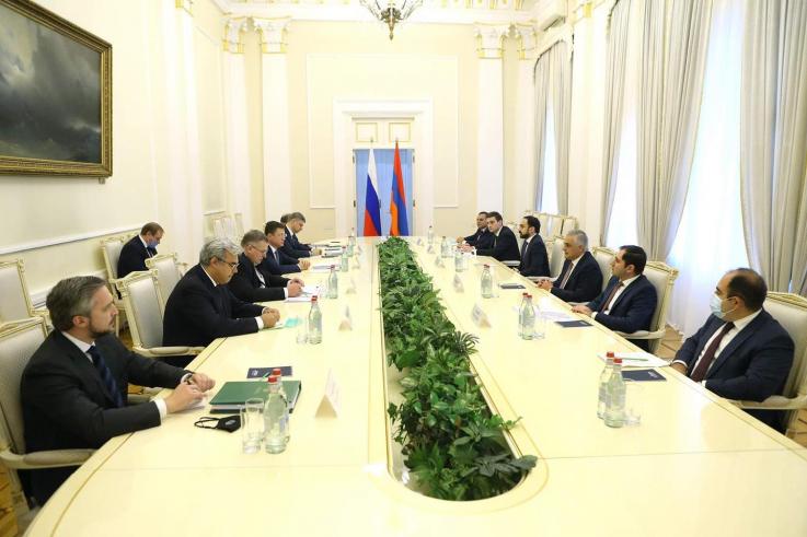 Տեղի է ունեցել Հայաստանի եւ Ռուսաստանի փոխվարչապետերի հանդիպումը