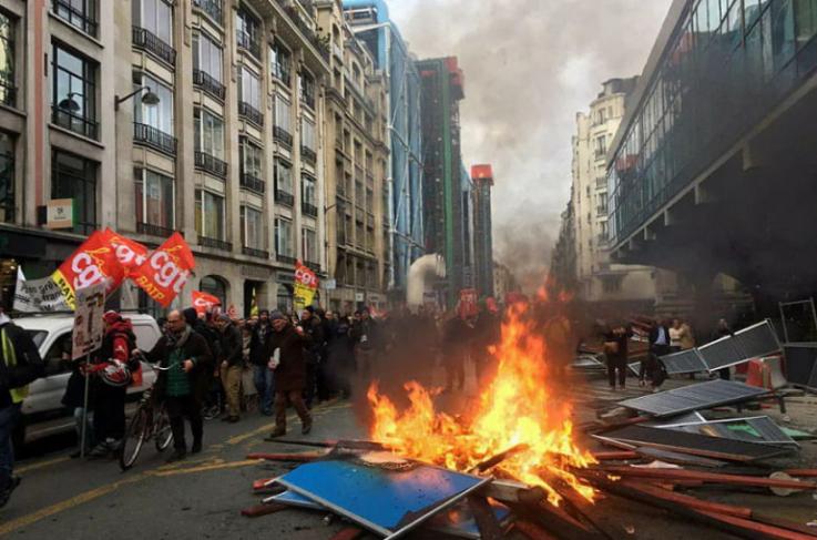 Փարիզում ընթացող բողոքի ակցիայի ժամանակ անկարգություններ են սկսվել