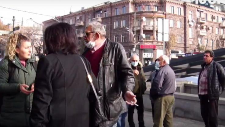 Արցախի Բերձոր քաղաքի և Աղավնո համայնքի բնակիչները ակցիա են իրականացնում Երևանում