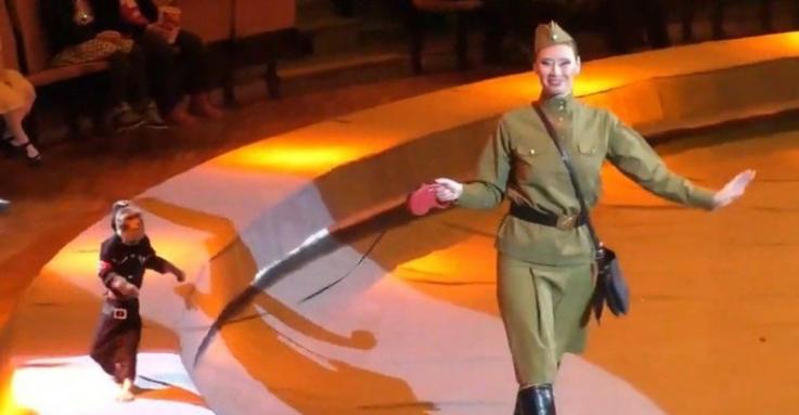 Ռուսաստանում հետաքննություն է սկսվել կրկեսային ներկայացման ժամանակ նացիստական համազգեստով կապիկի ելույթից հետո