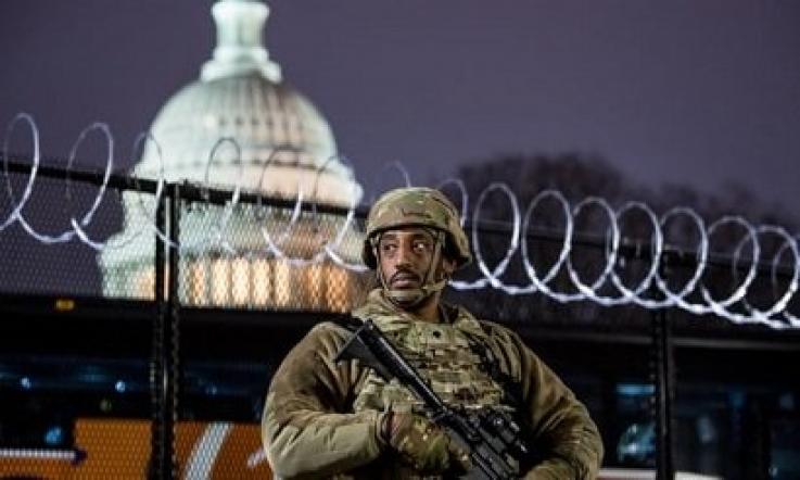 Վաշինգտոնում բերման է ենթարկվել տղամարդը, որը փորձել է ներխուժել Կապիտոլիում՝ զինված եւ կեղծ անցագրով