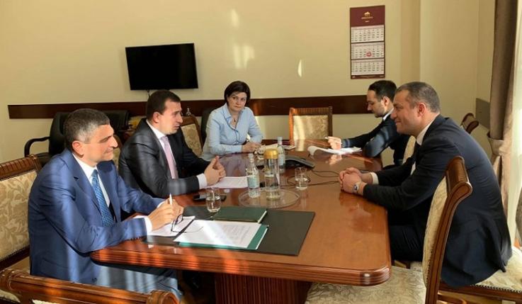 Էկոնոմիկայի նախարարն այցելել է Հայաստանի զարգացման և ներդրումների կորպորացիա