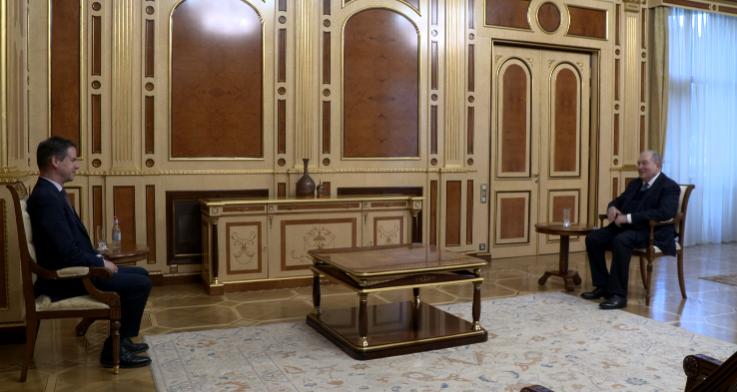 Արմեն Սարգսյանը և Ժոնաթան Լաքոթը քննարկել են հայ-ֆրանսիական հարաբերությունների ներկա օրակարգի հարցեր