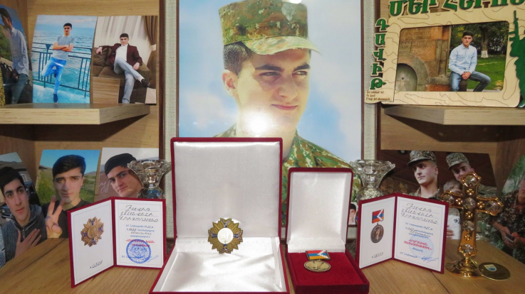 Դավիթ Գրիգորյանը հետմահու պարգևատրվել է «Մարտական խաչ» 1-ին աստիճանի շքանշանով և «Մարտական ծառայություն» մեդալով