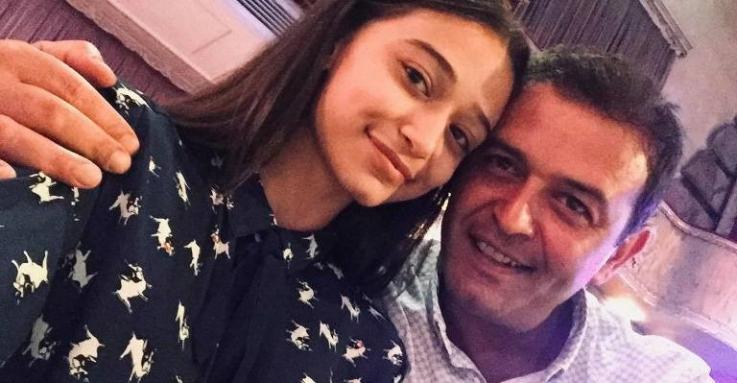 Արսեն Սաֆարյանի դուստրն առաջին քայլն է արել որպես երգչուհի․ Տեսանյութ