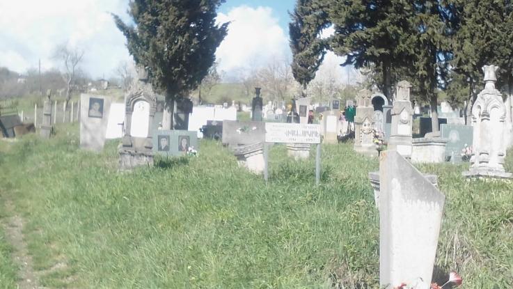 Թաղավարդում թշնամին ավերել է Արցախյան առաջին պատերազմի զոհերի գերեզմանները