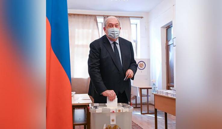 Նախագահ Արմեն Սարգսյանը քվեարկեց