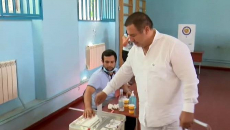 Գագիկ Ծառուկյանը քվեարկեց հանուն անվտանգ հայրենիքի