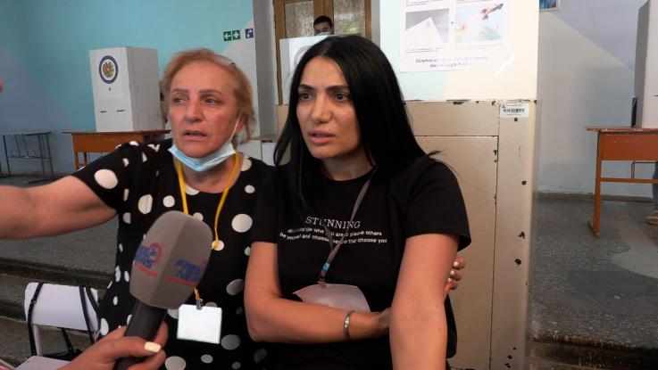 «Տարե՛ք էս ադրբեջանցիներին ստեղից»․ «Հայաստան» դաշինքի վստահված անձինք՝ լրագրողին