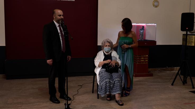 Գոբելեն ու գրաֆիկա. տեղի ունեցավ նկարչուհի Նելլի Ասատրյանի ցուցահանդեսը