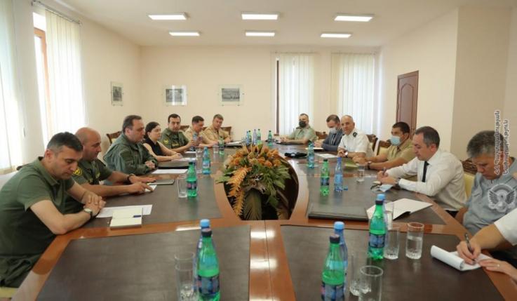 Ռազմական կցորդներին ներկայացվել է Երասխի հատվածում Ադրբեջանի զինուժի ձեռնարկած սադրիչ գործողությունները
