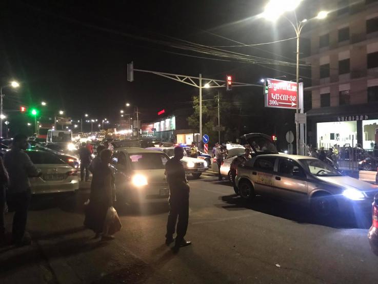 Ոստիկանությունը Երևանում ուժեղացված ծառայություն է իրականացնում. խուզարկվում են մեքենաները