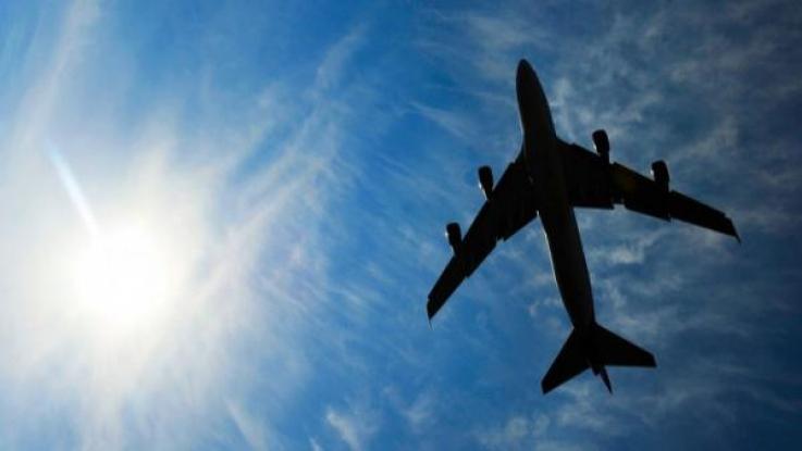 Թուրքիայի պաշտպանության նախարարին տեղափոխող ինքնաթիռը վթարային վայրէջք է կատարել թռչնի հետ բախվելուց հետո