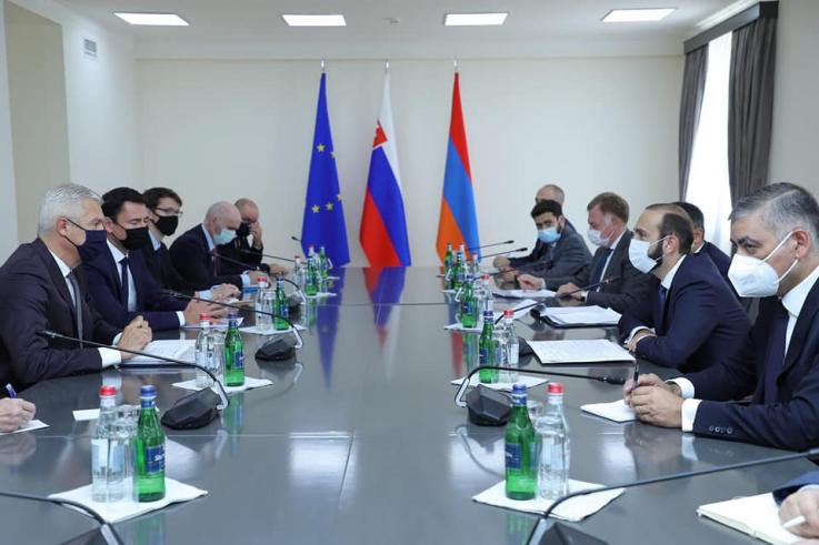 Տեղի է ունեցել Հայաստանի և Սլովակիայի ԱԳ նախարարների ընդլայնված կազմով հանդիպումը