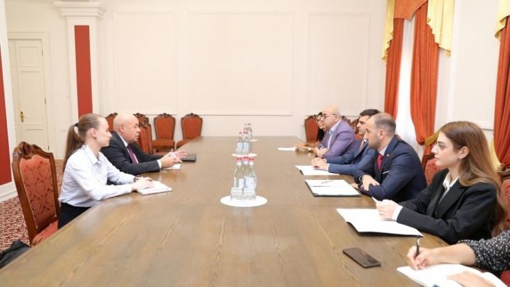 Հակոբ Արշակյանն ընդունել է ՌԴ նախագահի միջազգային մշակութային համագործակցության հարցերով հատուկ ներկայացուցչին