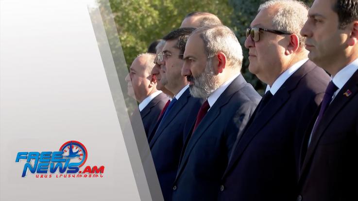 Հայաստանի Անկախության կապակցությամբ հարգանքի տուրք՝ զոհված հայորդիների հիշատակին. լուսանկարներ, տեսահոլովակ