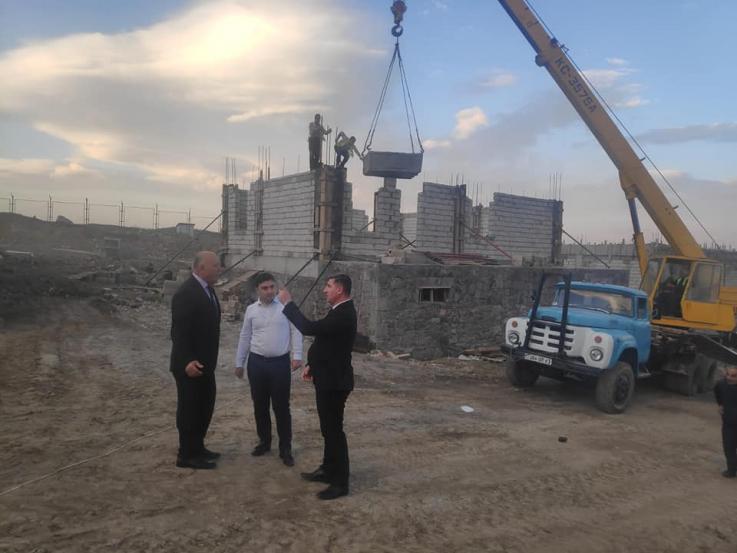Շուռնուխում Գնել Սանոսյանը ծանոթացել է համայնքում կառուցվող 13 բնակելի տների շինարարության ընթացքին